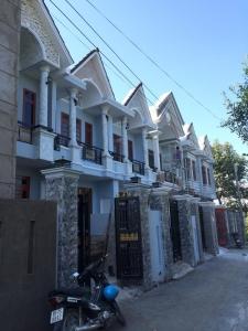 Nhà phố dĩ an mới xây xong cần bán gấp giá rẻ!