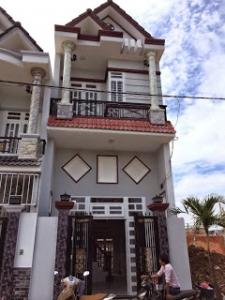 Bán nhà dĩ an mới xây rất đẹp cách đường Trần Hưng Đạo 10m