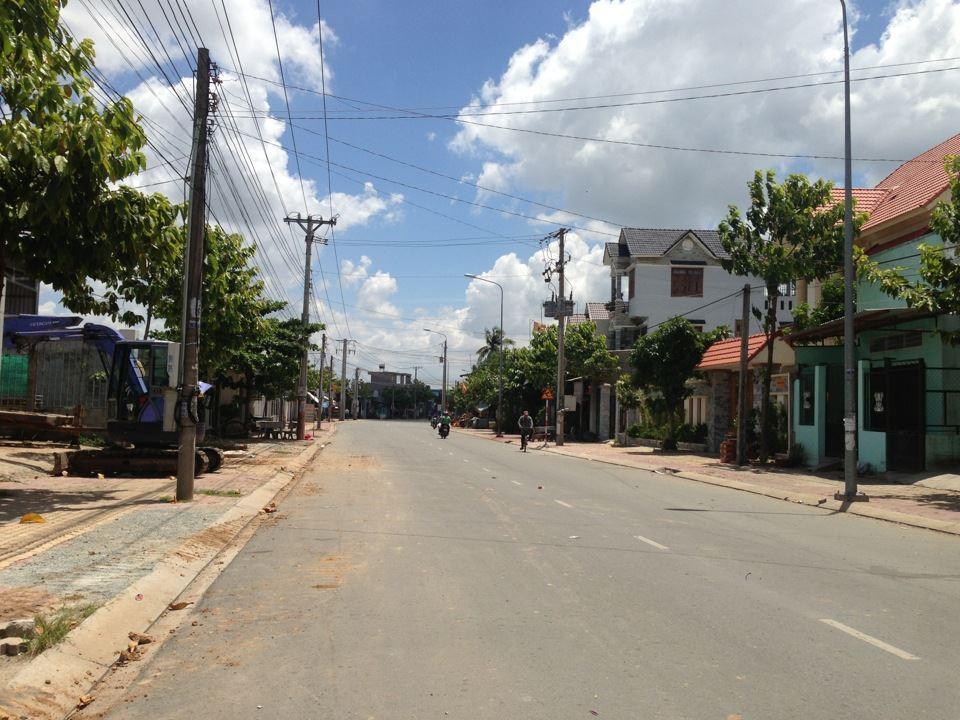 đất dĩ an mặt tiền đường Trần Quang Khải 25m cần bán gấp