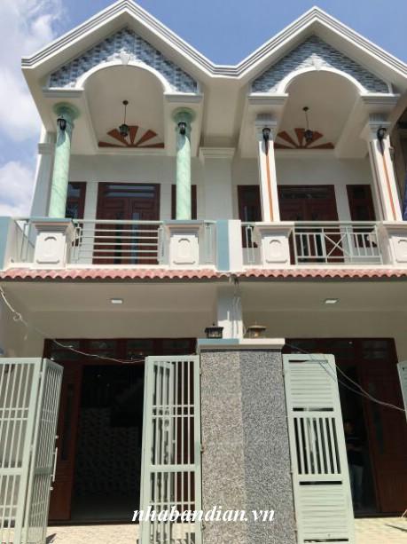 Nhà cần bán gấp gần ngã ba Đông Tân ,ngã tư 550 Dĩ An Bình Dương.