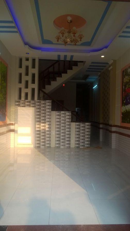 Chính chủ cần bán gấp nhà ngay QL1K Dĩ An 105m sổ riêng nhà đẹp giá hợp lý.