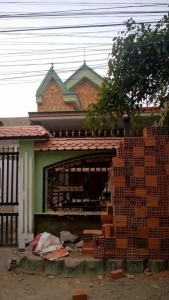 Bán nhà dĩ an đường thông từ nguyễn An Ninh ra DT743 giá rẻ chính chủ.