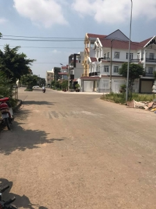 Bán đất mặt tiền Đường Trần Hưng Đạo ngay ngã ba cây lơn tiện kinh doanh .
