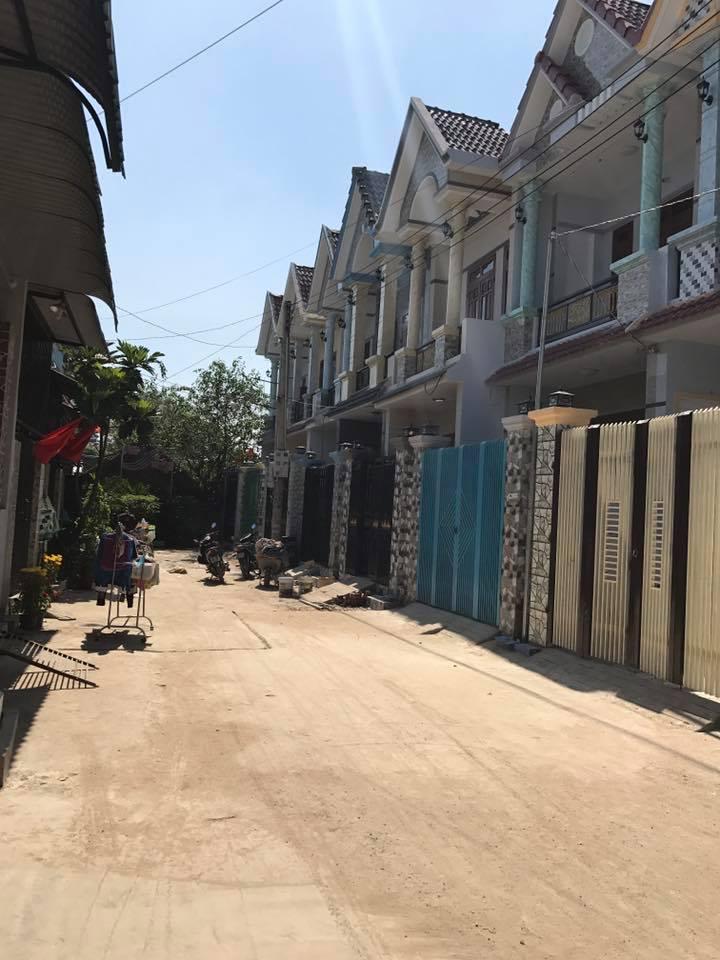 Bán nhà khu dân trí cao an ninh tốt tại thị xã Dĩ An ngay đường Nguyễn Thị Khắp