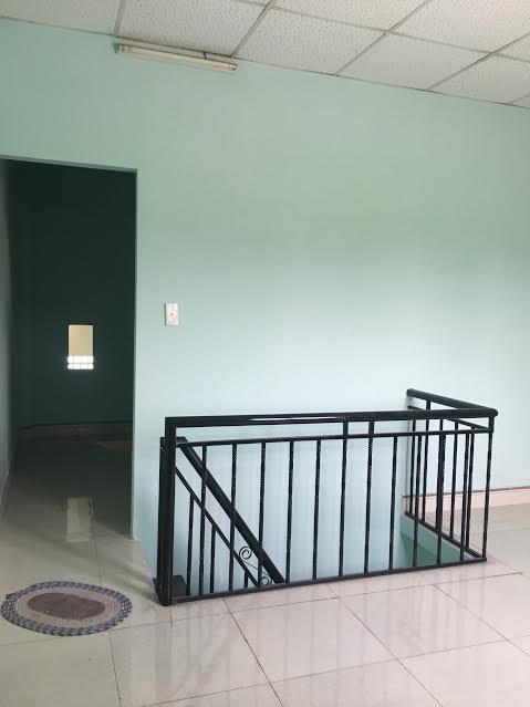 Bán nhà cấp 4 tân Bình dĩ an đối diện cung văn hóa đường rộng , nhà sổ hồng