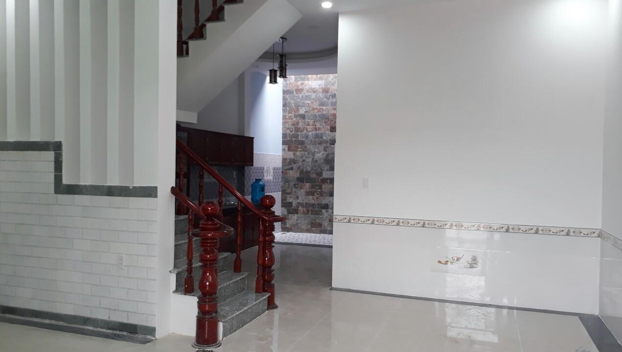 Cần bán gấp căn nhà hai mặt tiền đường rộng, có diện tích  124m ngay hội trường Đông Hòa Dĩ An