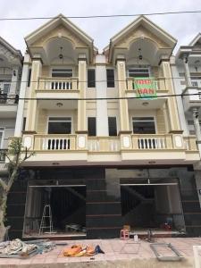 Bán nhà 2 lầu trung tâm hành chính dĩ an kế bên trường quốc tế Việt Anh